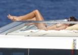 Cindy celebrity pose - Celeb Brunette Cindy Crawford