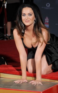 Katy Perry sinful pics - Celeb Brunette Katy Perry