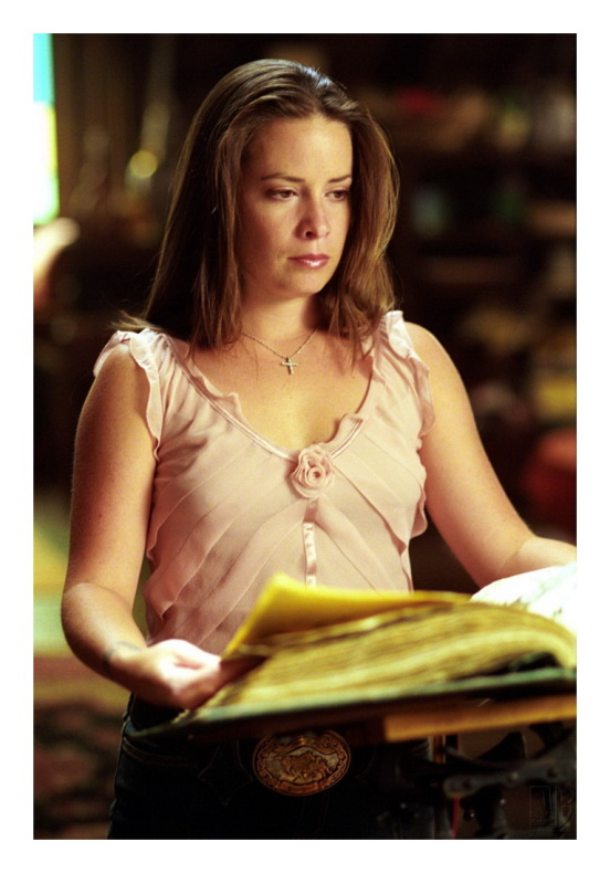 Piper Halliwell03